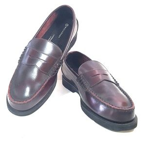 ROCKPORT Size 7 Distressed Leather Penny Loafers